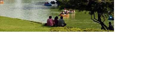 Navigate to Lago Menor